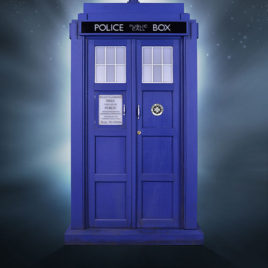 DR WHO 1/6 11TH DOCTOR TARDIS REPLICA
