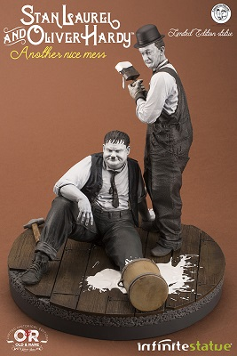 statue oliver hardy